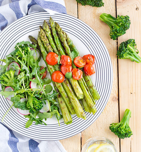 Grilled asparagus with cherry tomatoes