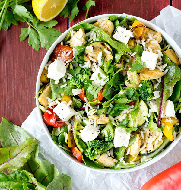 Salad with rice, chicken and grilled vegetables